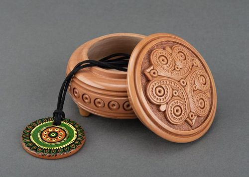 Round wooden box - MADEheart.com