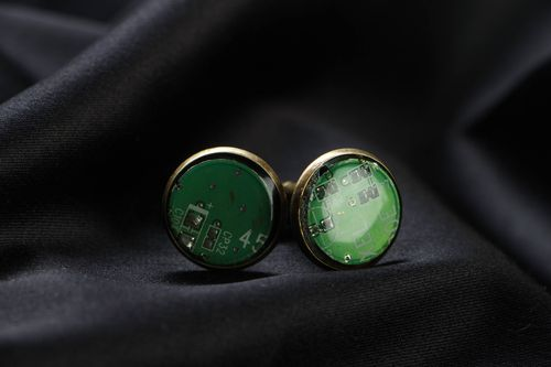Round cufflinks with microchips - MADEheart.com