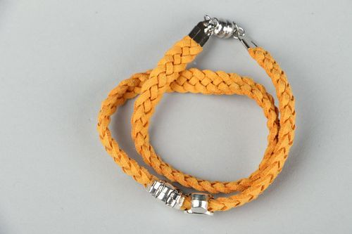 Suede bracelet with steel fittings - MADEheart.com