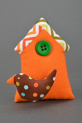 Interior toy with eyelet - MADEheart.com