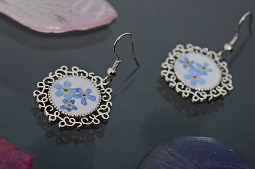Vintage earrings with forget-me-not flowers coated with epoxy resin - MADEheart.com