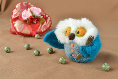 Felted wool toy Owl - MADEheart.com