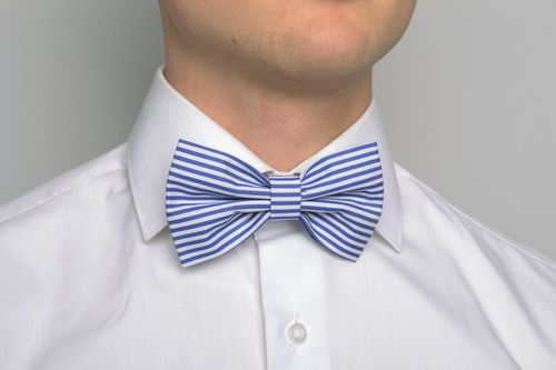 Striped blue bow tie - MADEheart.com