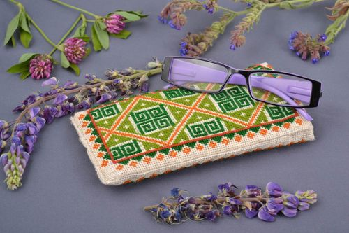 Handmade designer fabric soft sunglasses case with cross stitch embroidery - MADEheart.com
