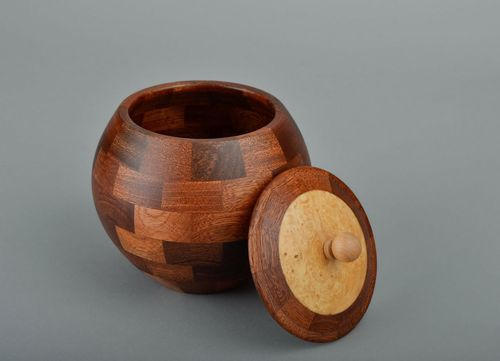 Wooden pot with lid - MADEheart.com