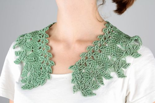 Green lace collar - MADEheart.com