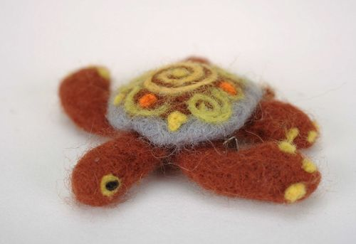 Brooch made using felting technique Big turtle - MADEheart.com
