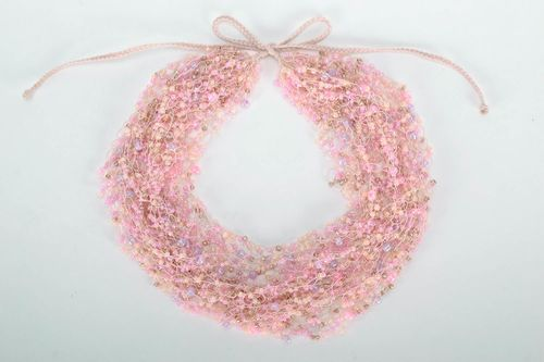 Airy pink bead necklace - MADEheart.com