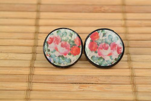 Handmade polymer clay round stud earrings with flowers - MADEheart.com