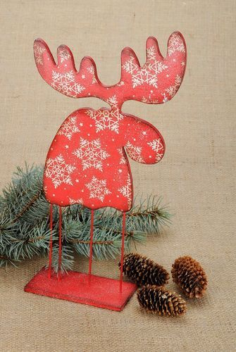 Wooden figurine for Christmas decor - MADEheart.com