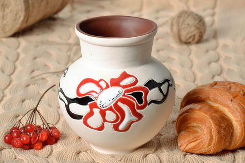 30 oz ceramic milk pitcher in white color with red floral décor 1,4 lb - MADEheart.com