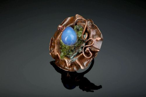 Copper ring with chrysolite - MADEheart.com