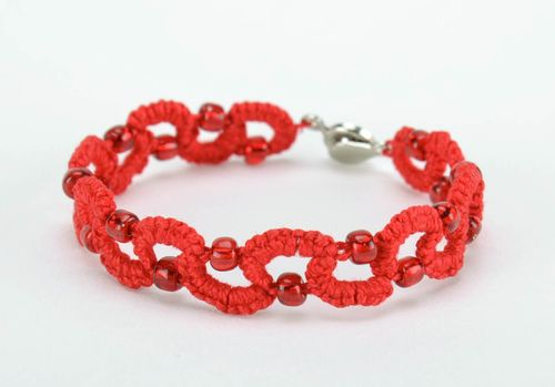 Red bracelet made from cotton threads - MADEheart.com