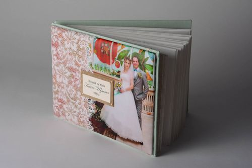 Wedding photo album - MADEheart.com