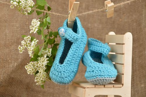 Beautiful unusual cute blue handmade baby bootees made of natural cotton - MADEheart.com