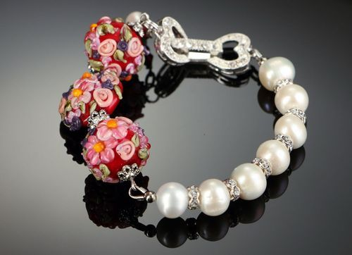 Wrist bracelet with river pearls Pearl - MADEheart.com