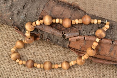 Unusual designer wooden bead necklace - MADEheart.com