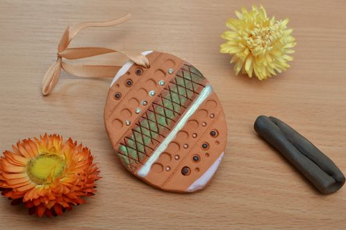 Handmade designer ceramic keychain in the shape of egg decorated with ornament  - MADEheart.com