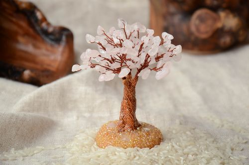 Miniature tree with natural pink quartz stone - MADEheart.com