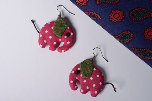 Handmade textile linen and cotton earrings in the shape of elephants - MADEheart.com