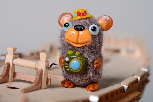 Homemade miniature wool felted toy Mouse with Camera - MADEheart.com