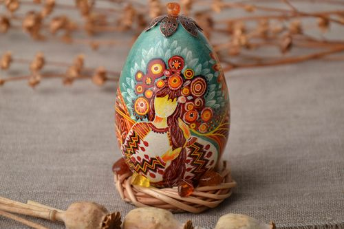 Painted Easter egg with holder - MADEheart.com
