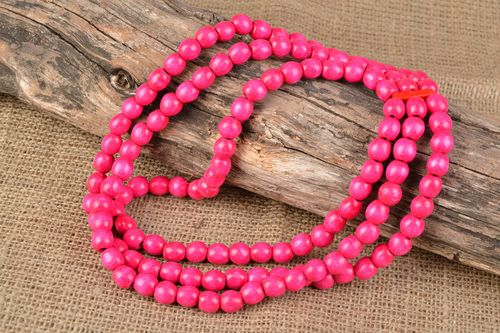 Pink handmade wooden bead necklace in three rows - MADEheart.com