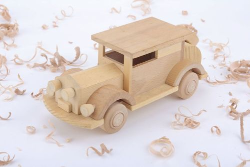 Wooden toy Vintage Car - MADEheart.com