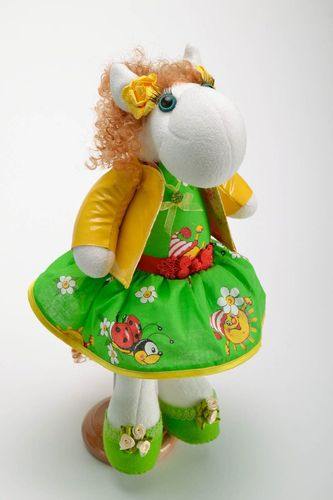 Toy with holder Horse - MADEheart.com
