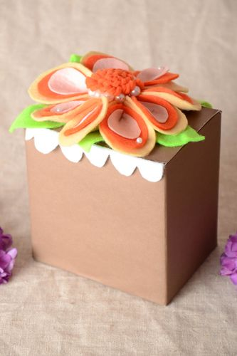 Handmade gift box cardboard gift bow gift wrapping ideas boxes for girls - MADEheart.com