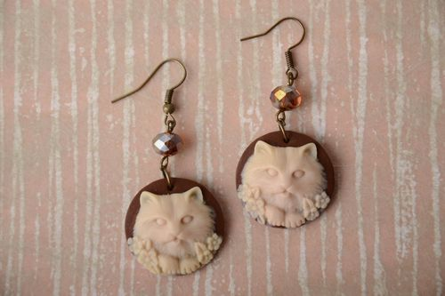 Handmade round cameo polymer clay dangling earrings with volume cats images - MADEheart.com