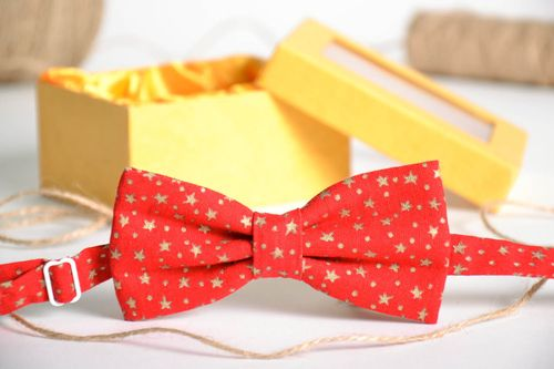 Red bow tie with stars - MADEheart.com