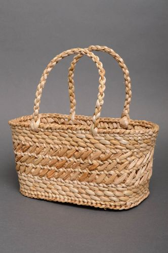 Beautiful reedmace woven basket purse - MADEheart.com
