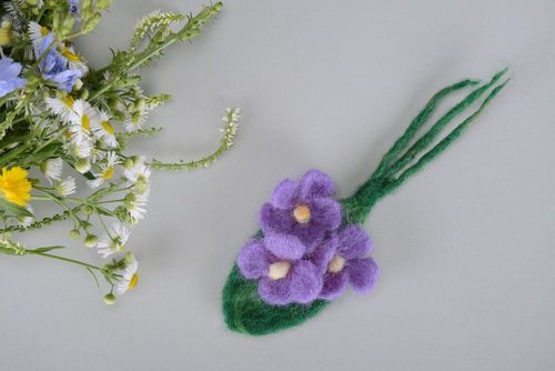 Brooch Purple flowers - MADEheart.com