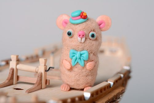 Handmade miniature felted wool toy Mouse - MADEheart.com