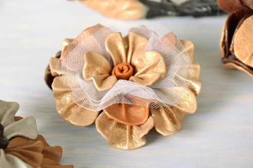 Hair tie made of genuine leather and veiling - MADEheart.com