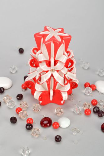 Homemade red and white candle - MADEheart.com