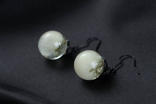 Earrings with dandelions - MADEheart.com