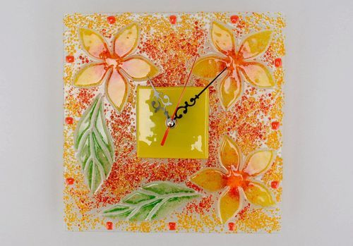 Clocks made of fusing glass Yellow flowers - MADEheart.com