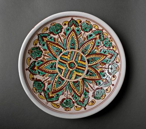 Decorative plate in ethnic style - MADEheart.com