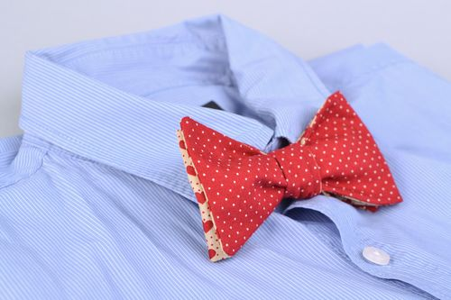 Homemade fabric bow tie - MADEheart.com