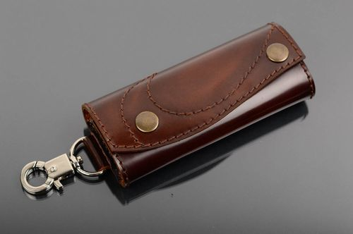 Unusual handmade genuine leather key case fashion accessories leather goods - MADEheart.com