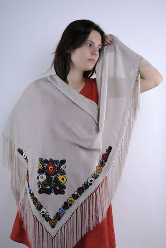 Large shawl with hand embroidery - MADEheart.com