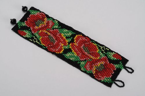 Bracelet with red flowers - MADEheart.com