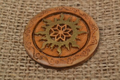 Handmade home protection amulet carved of natural oak wood Alatyr in Sun - MADEheart.com