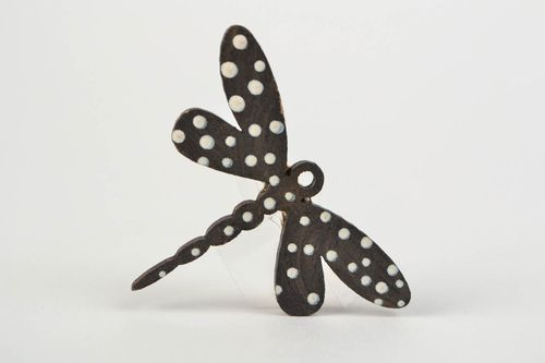 Handmade wooden brooch in the shape of dragonfly painted with acrylics - MADEheart.com