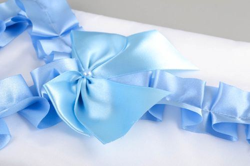 Money envelope is made of satin. It is created in white and blue color. Wedding envelope for money will help newlyweds collect enough money. The product is very beautiful and unusual. It will certainly be enjoyed by the guests. Celebrate important life ev - MADEheart.com