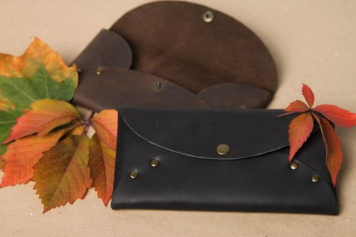 Stylish handmade leather wallet leather goods fashion trends gifts for her - MADEheart.com