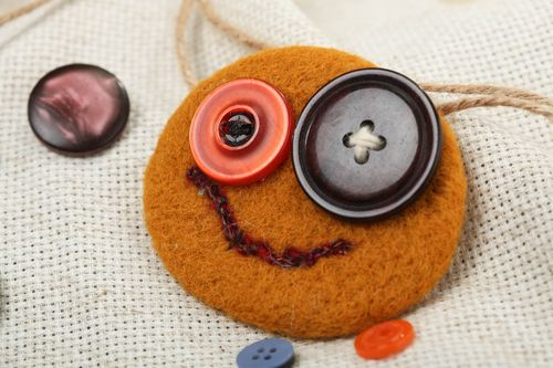 Needle felting brooch of round shape with buttons red funny handmade accessory - MADEheart.com