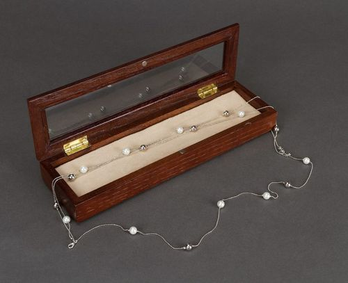 Beautiful jewelry box - MADEheart.com